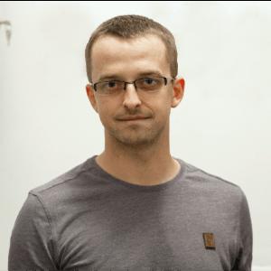 dr Tomasz Piecha
