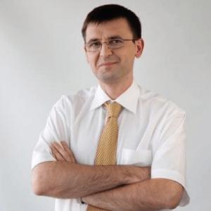 dr hab. Ernest Kuchar